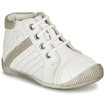 Zapatos Niño Botas de caña baja GBB MATYS Blanco