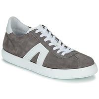 Zapatos Hombre Zapatillas bajas André GILOT Gris
