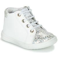 Zapatos Niña Zapatillas altas GBB FAMIA Blanco / Plata