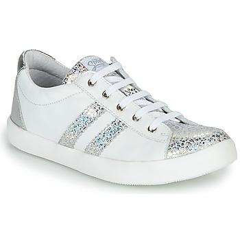 Zapatos Niña Zapatillas bajas GBB MAPLUE Blanco / Plata