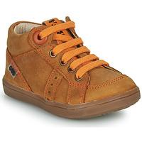 Zapatos Niño Zapatillas altas GBB ANGELITO Cognac