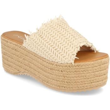 Zapatos Mujer Zuecos (Mules) Silvian Heach TS-6 Beige
