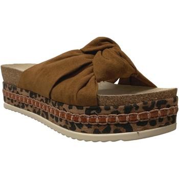 Zapatos Mujer Zuecos (Mules) Bullboxer 886030f1t Terciopelo marrón