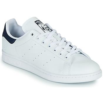 Zapatos Zapatillas bajas adidas Originals STAN SMITH VEGAN Blanco / Azul