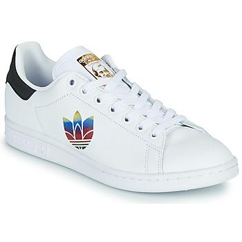 Zapatos Mujer Zapatillas bajas adidas Originals STAN SMITH W Blanco / Logo