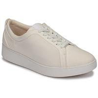 Zapatos Mujer Zapatillas bajas FitFlop RALLY DENIM Blanco