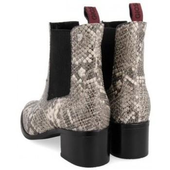 Gioseppo BOTIN CHELSEA DE  PRINT SERPIENTE MODELO MIKKELI Beige - Zapatos Botines Mujer 5498