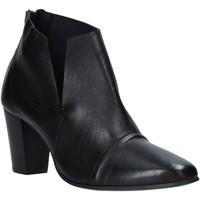 Zapatos Mujer Botines Mally 6877 Negro