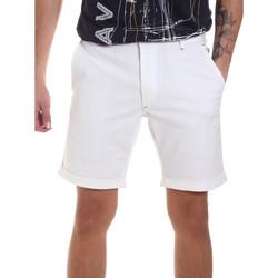 textil Hombre Shorts / Bermudas Gaudi 811FU25023 Blanco