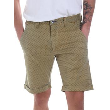 textil Hombre Shorts / Bermudas Gaudi 811FU25018 Verde