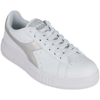 Zapatos Mujer Zapatillas bajas Diadora game step shiny c6103 Plata