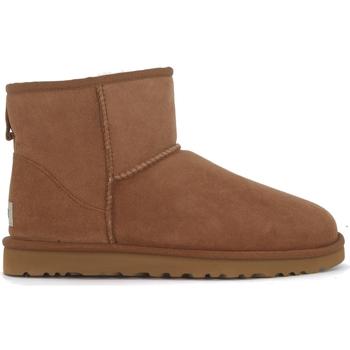 Zapatos Hombre Botas de caña baja UGG Tronchetto UGG Classic II Mini marrone in montone Marrón