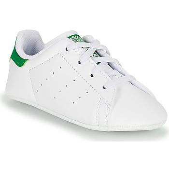 Zapatos Niños Zapatillas bajas adidas Originals STAN SMITH CRIB SUSTAINABLE Blanco / Verde
