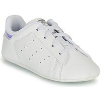 Zapatos Niña Zapatillas bajas adidas Originals STAN SMITH CRIB SUSTAINABLE Blanco / Plateado