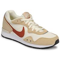 Zapatos Mujer Zapatillas bajas Nike NIKE VENTURE RUNNER Beige / Marrón