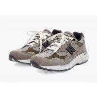 Zapatos Zapatillas bajas New Balance JJJJound x New Balence 992 Beige Beige - Grey