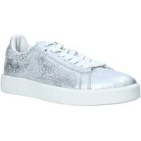 Zapatos Mujer Zapatillas bajas Diadora 201171917 Plata