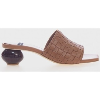 Zapatos Mujer Chanclas Angel Alarcon 21055 Marrón