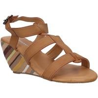Zapatos Mujer Sandalias Urban B031590-B7200 Marr?n
