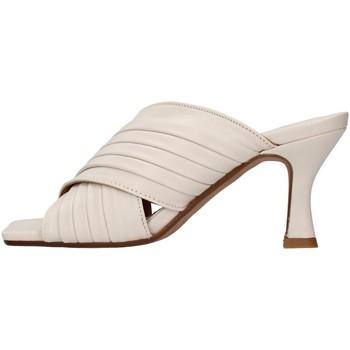 Zapatos Mujer Zuecos (Mules) Balie' 589 ECRU