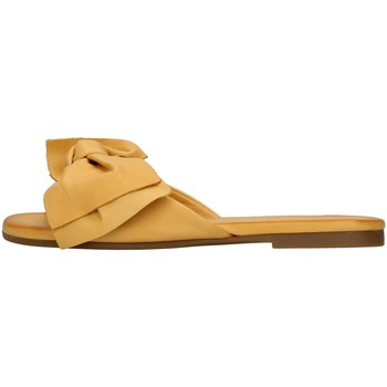 Zapatos Mujer Zuecos (Mules) Inuovo 447063 AMARILLO