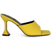 Zapatos Mujer Zuecos (Mules) Exé Shoes SANDALIA TACÓN CUADRADO YELLOW EXE BIANCA-700 Color Black Yellow