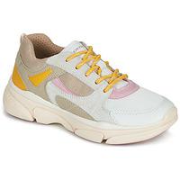 Zapatos Niña Zapatillas bajas Geox J LUNARE GIRL Beige