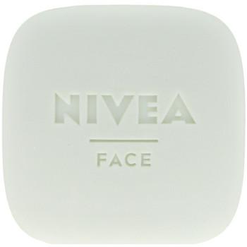 Belleza Mujer Mascarillas & exfoliantes Nivea Naturally Good Limpiador Facial Exfoliante Imperfecciones 75
