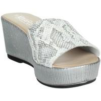 Zapatos Mujer Zuecos (Mules) Novaflex ACQUASANTA Blanco/Argent