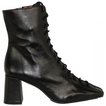 Zapatos Mujer Botines Angel Alarcon botin cordonera con punta cuadrada modelo Pacuare Negro