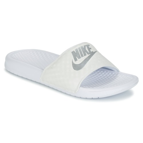 huge selection of 8fdaf d51e1 Zapatos Mujer Chanclas Nike BENASSI JUST DO IT W Blanco   Plata