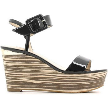 Guess Fldy22 Paf03 Wedge Sandals..
