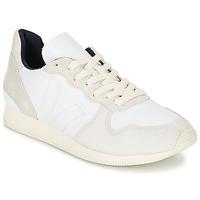 Zapatos Mujer Zapatillas bajas Veja HOLIDAY LOW TOP Blanco / Beige