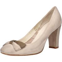 Zapatos Mujer Zapatos de tacón Carmens Padova de salón beige cuero de ante AF52 beige