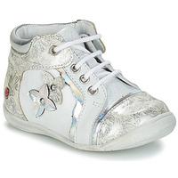 Zapatos Niña Botas de caña baja GBB SONIA Blanco / Plata