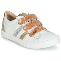 Zapatos Niña Zapatillas bajas GBB MADO Blanco / Oro